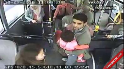 İstanbul'da inanılmaz olay: Otobüste doğum yaptı!