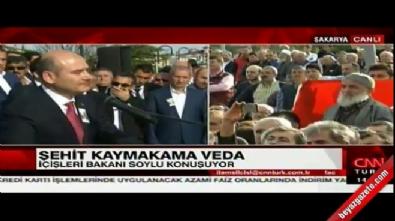 Bakan Süleyman Soylu akrabası şehit kaymakamın cenazesinde gözyaşlarına boğuldu