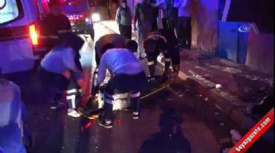Minibüs eve çarptı: 3 ölü, 8 yaralı