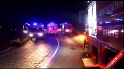 Manisa'da işçi minibüsü şarampole yuvarlandı