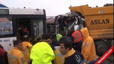 Ankara Keçiören'de korkunç kaza! Otobüs ile kamyon kafa kafaya çarpıştı