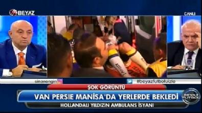 Van Persie sakatlandı 15 dakika kaldırımda ambulans bekledi