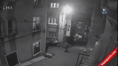 Beyoğlu'nda silahlı çatışma kamerada