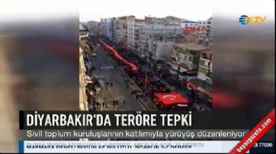 Diyarbakır'da binlerce kişi teröre tepki yürüyüşünde buluştu