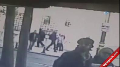 Tramvayın altına atlayan adam kameralarda