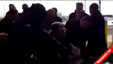 HDP'li vekil Adem Geveri'den yol kapatma eylemi
