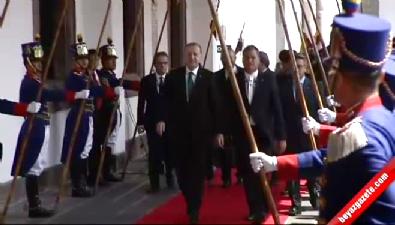 Cumhurbaşkanı Erdoğan Ekvador'da resmi törenle karşılandı