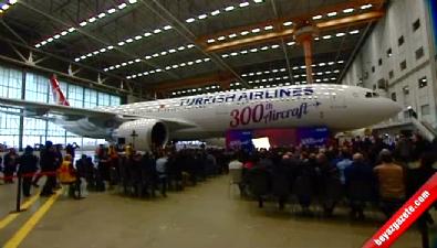 THY 300. uçağını teslim aldı