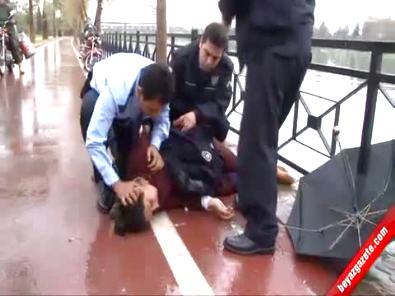 Ölmek İsteyen Kadını Komiser Hayata Döndürdü!