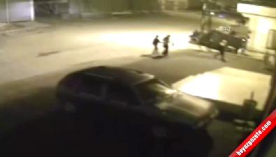Teröristlerin polise saldırdığı an kameralara yansıdı