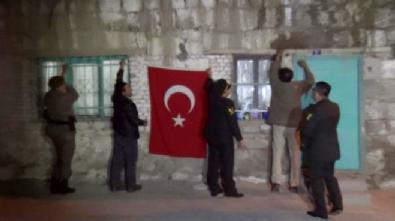 Şehit Uzman Çavuş Mustafa Şahin'in Niğde'deki baba ocağına ateş düştü