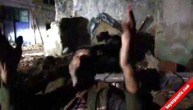 Sur'da tahliye edilen vatandaşlar ile teslim olan teröristler