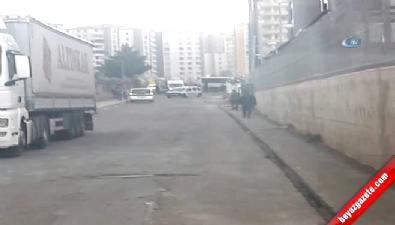 Diyarbakır'da Polis Aracının Geçişi Sırasında Patlama: Yaralılar Var