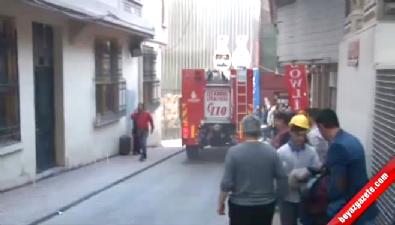 Emek Sineması'nın bitişiğindeki binada korkutan yangın