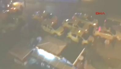 silahli kavga - Taksicinin 'Ateş etsene lan' diyen dolmuşçuyu vurma anı!