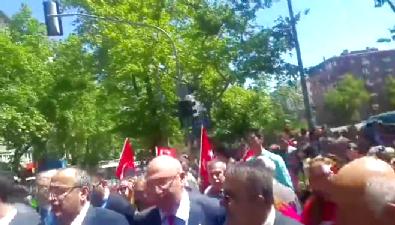 CHP'li vekiller Anıtkabir'e terörist marşı söyleyerek gitti!
