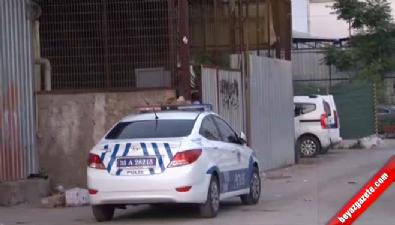 silahli kavga - İzmir'de sokak ortasında çatışma: 1 ölü, 2 yaralı