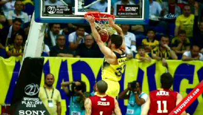 Fenerbahçe finale göz kırptı
