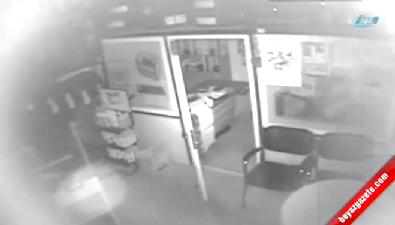 Kağıt toplama arabasıyla hırsızlık kamerada