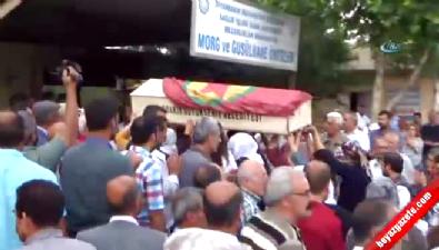 Vezneciler teröristinin tabutunu HDP'liler omuzladı