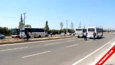 Darbe Girişimine Polisten Otobüslü Barikat