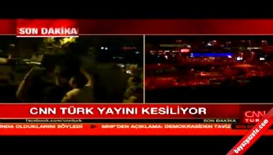 Askerler CNN TÜRK binasına girdi, yayını kesti