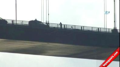 Şehitler Köprüsü'nde Türk bayraklı intihar girişimi