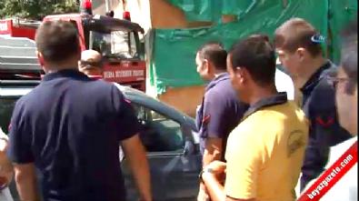 Mahsur kalan bebeği için arabasının camını kırdırtmadı