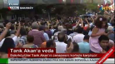 Tarık Akan'a vedada Mustafa Kemal'in askerleriyiz sloganları