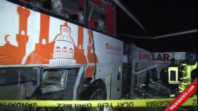 İki yolcu otobüsü çarpıştı: 68 yaralı
