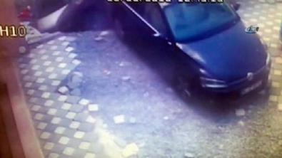 İstanbul'daki 6 aracı yutan göçük kamerada