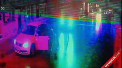 3 kişinin sokak ortasındaki silahlı çatışma anı kamerada