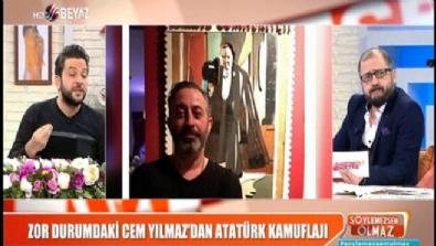 Cem Yılmaz'dan kafa karıştıran Atatürk pozu