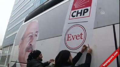 CHP, otobüslerinden 'Evet' mührünü kaldırttı