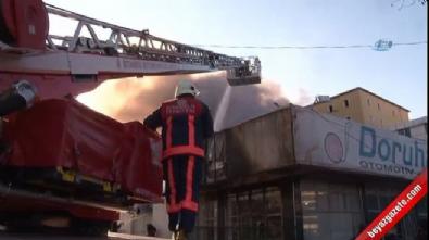 Sultanbeyli'de iş yeri alev alev yandı