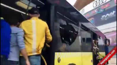 fenerbahce - Fenerbahçe taraftarı halk otobüsünün camlarını kırdı