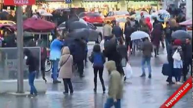 Taksim'de yağmur etkisini göstermeye başladı