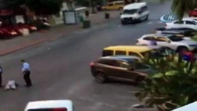 Antalya'da polis memurunun bir kadını jopla dövüp tekmelerle darp ettiği anlar
