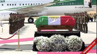 Barzani Talabani'nin naaşına çelenk koydu