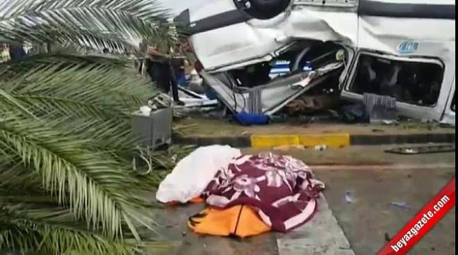 antalya - Antalya'da tur minibüsü devrildi: 3 turist öldü