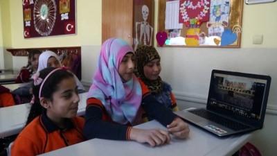 Suriyeli çocuklar AA'nın 'Yılın Fotoğrafları' oylamasına katıldı - İSTANBUL