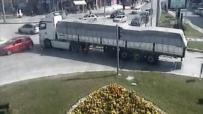 Trafik kazaları MOBESE kameralarına yansıdı - DÜZCE