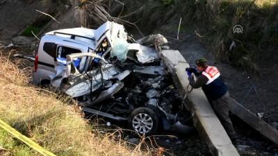 Ehliyetsiz sürücünün kullandığı araç su kanalına düştü: 2 ölü - MANİSA