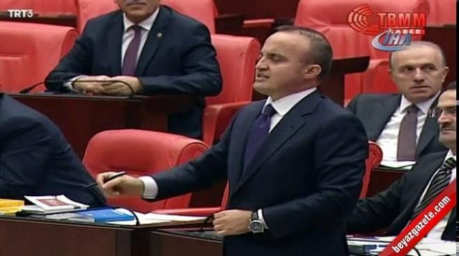 chp - CHP İstanbul Milletvekili Gülay Yedekçi bütçe kitapçığının sayfalarını yırttı
