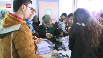 Suriyeli sağlıkçılar yurttaşlarına hizmete başladı - İZMİR