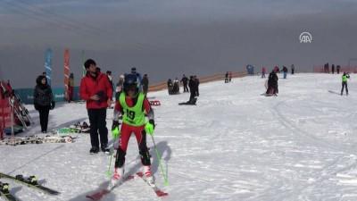 Palandöken'de kayak yoğunluğu - ERZURUM