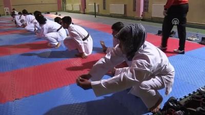 Karateci anne madalya istiyor - UŞAK