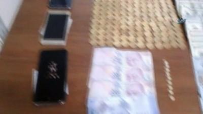 'Bizde Osmanlı dönemine ait altınlar var' diyerek sahte altın satan 5 kişi gözaltına alındı
