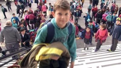 Guinness'e başvuru için hazırlanan okulda 33 ikiz, bir üçüz öğrenci var