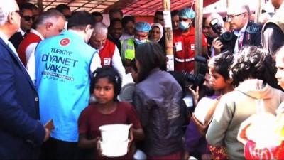 """Başbakan Yıldırım, Bangladeş'te Mülteci Kampını Ziyaret Etti - Başbakan Binali Yıldırım: - """"Ziyaretimizin Amacı, Burada Yaşanan İnsanlık Dramına Dikkat Çekmek"""""""